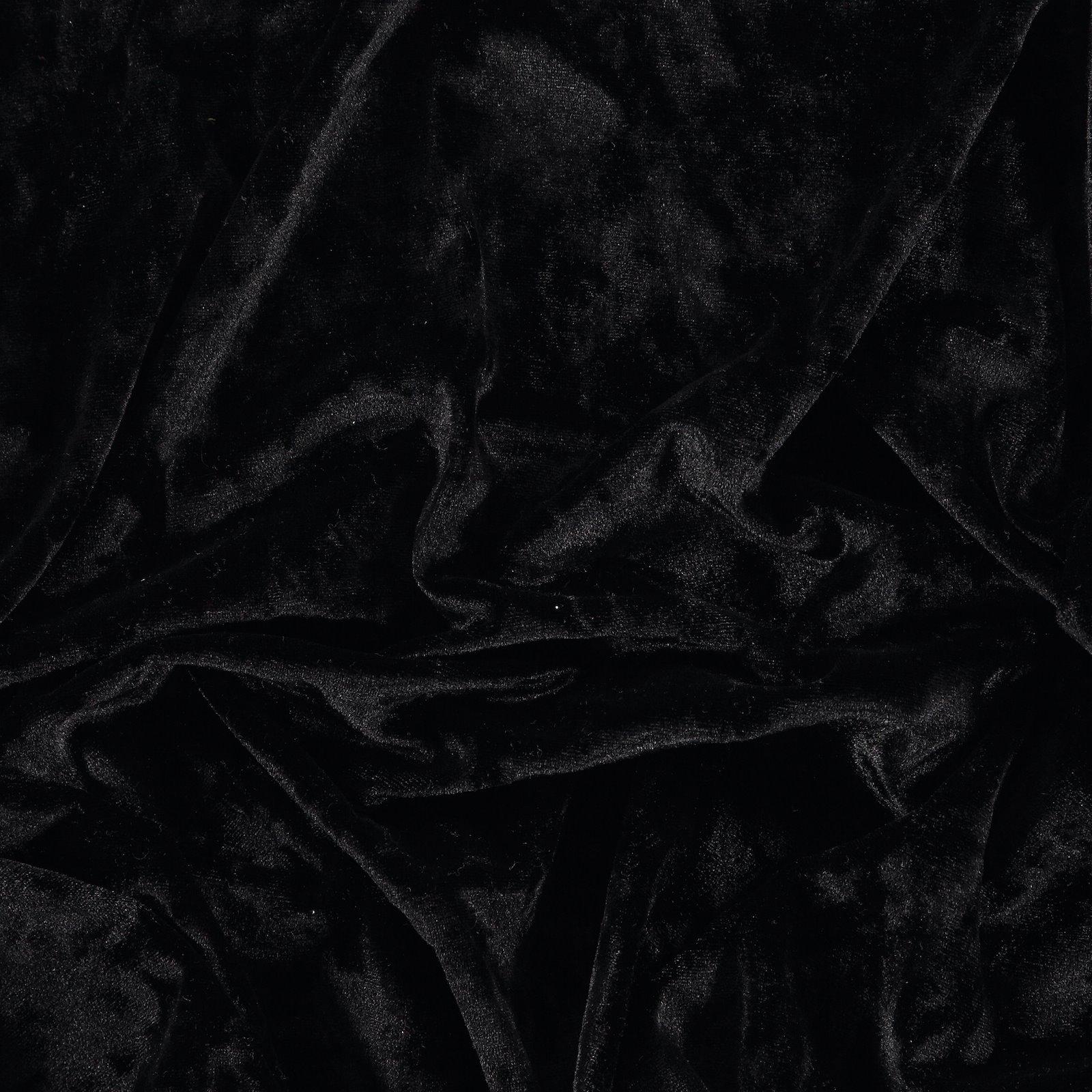 Nicki, Schwarz glänzend