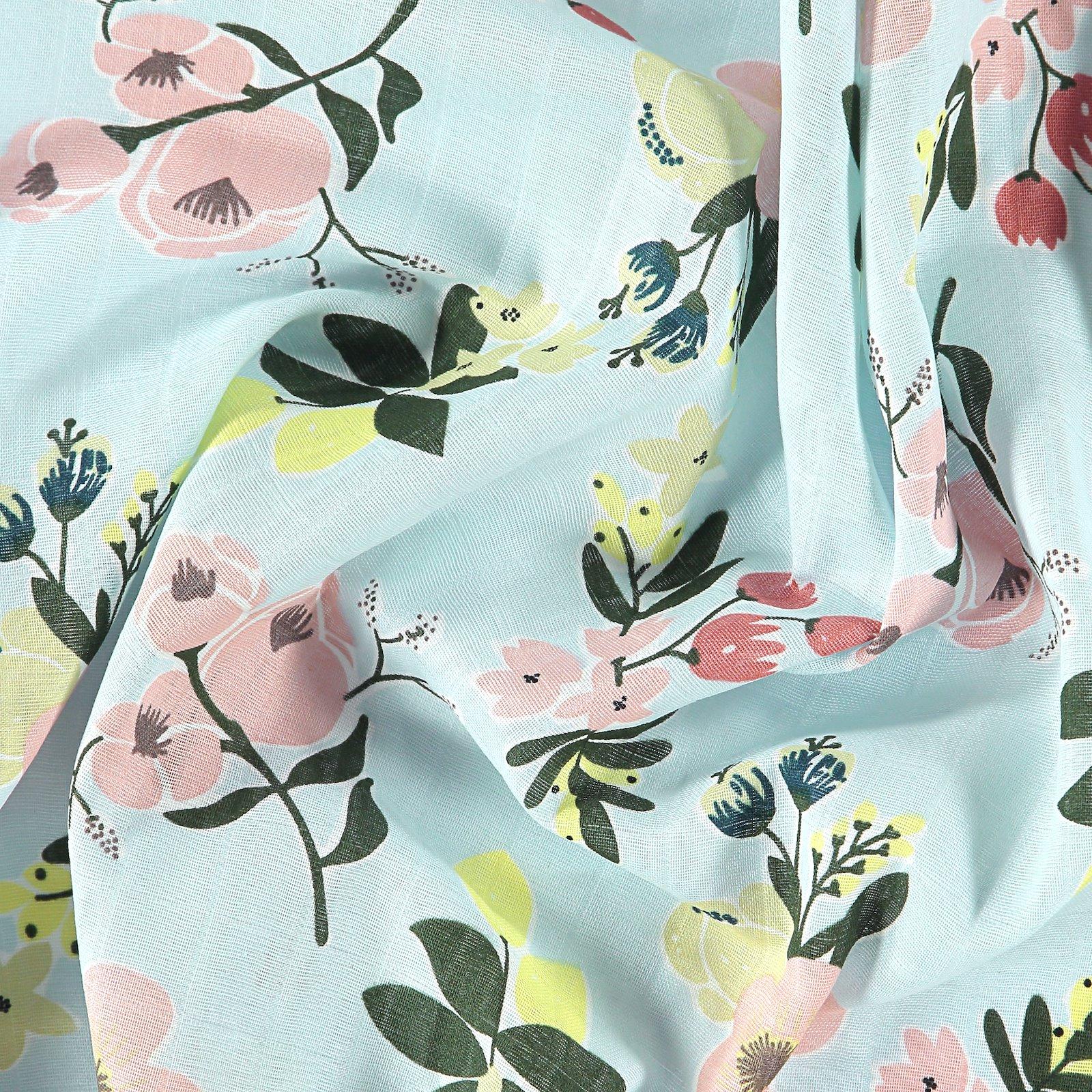 Musselin, Hellblau mit Blumen