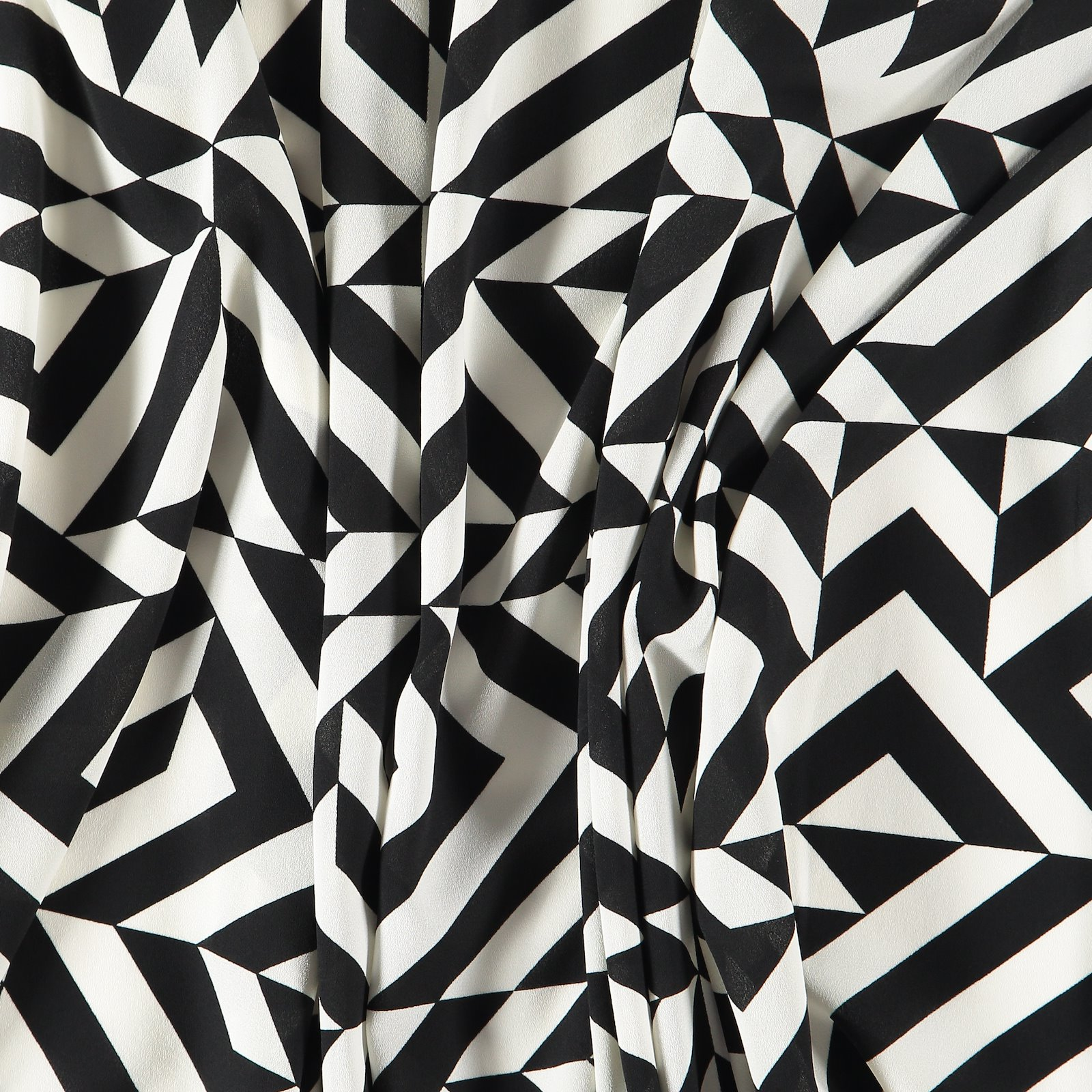 Chiffon black w. white graphic pattern