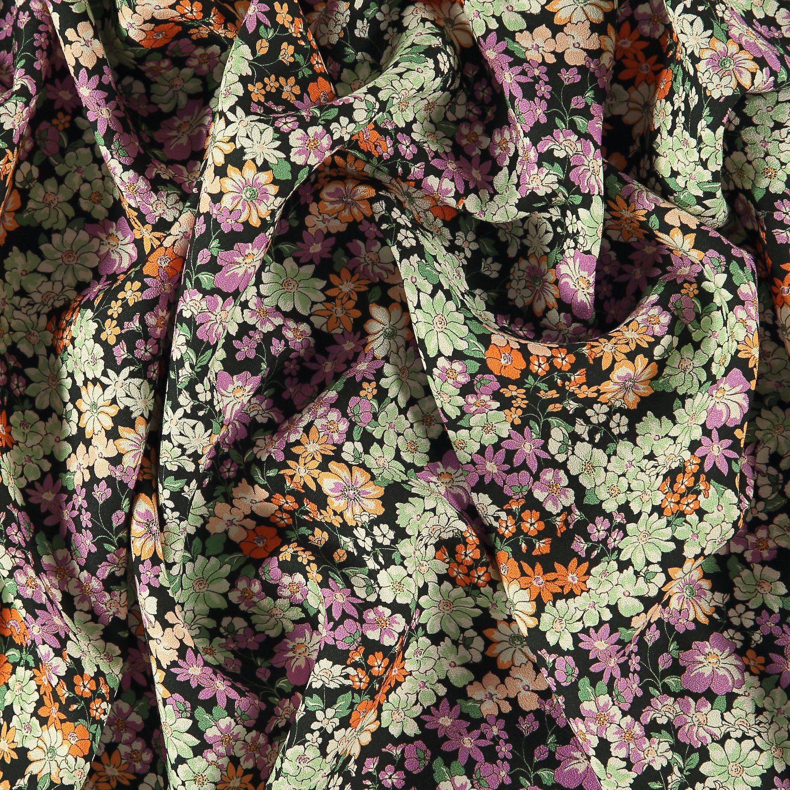 Woven viscose black with petite flowers