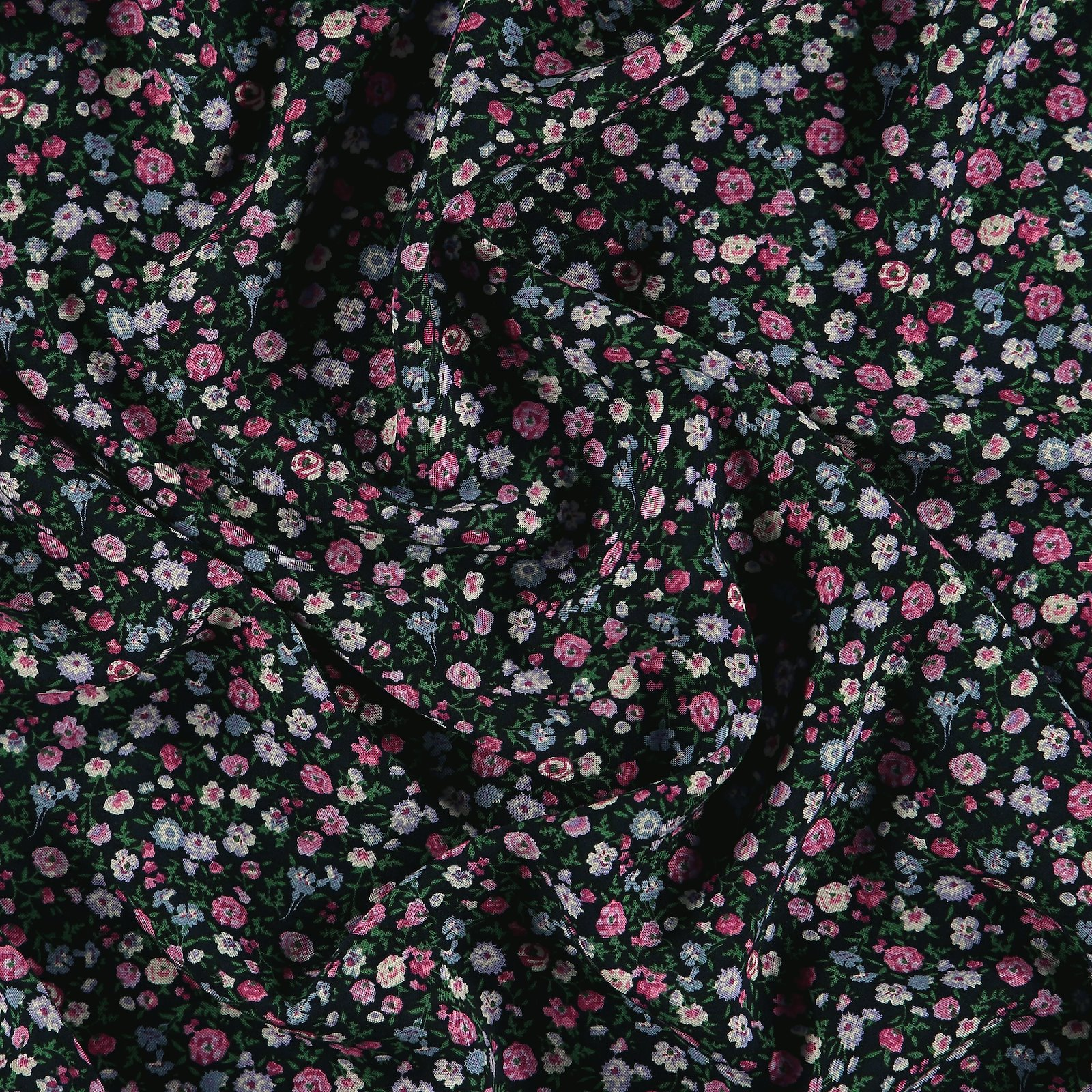 Woven viscose navy w pink petite flowers