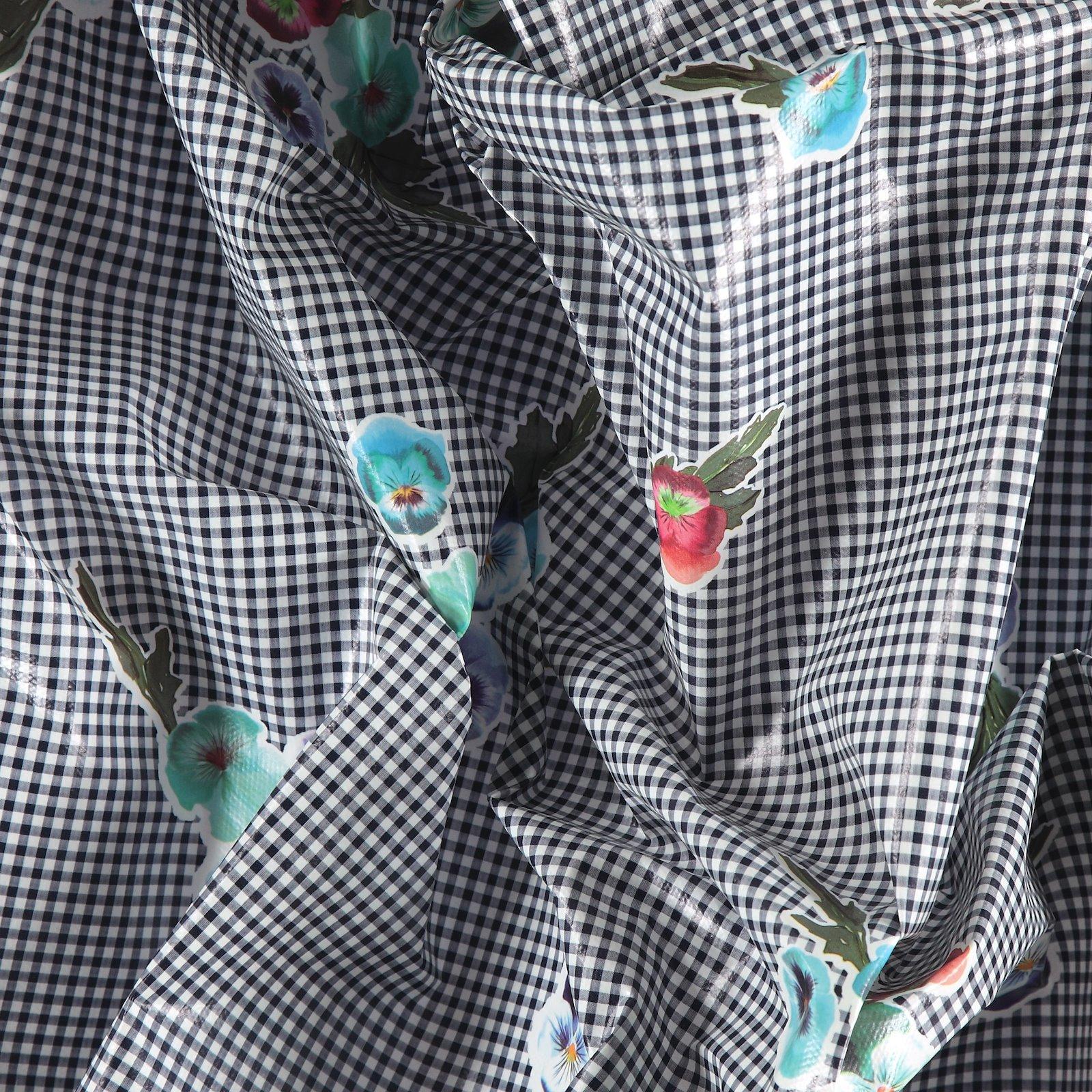 Non-woven oilcloth blue check w flowers