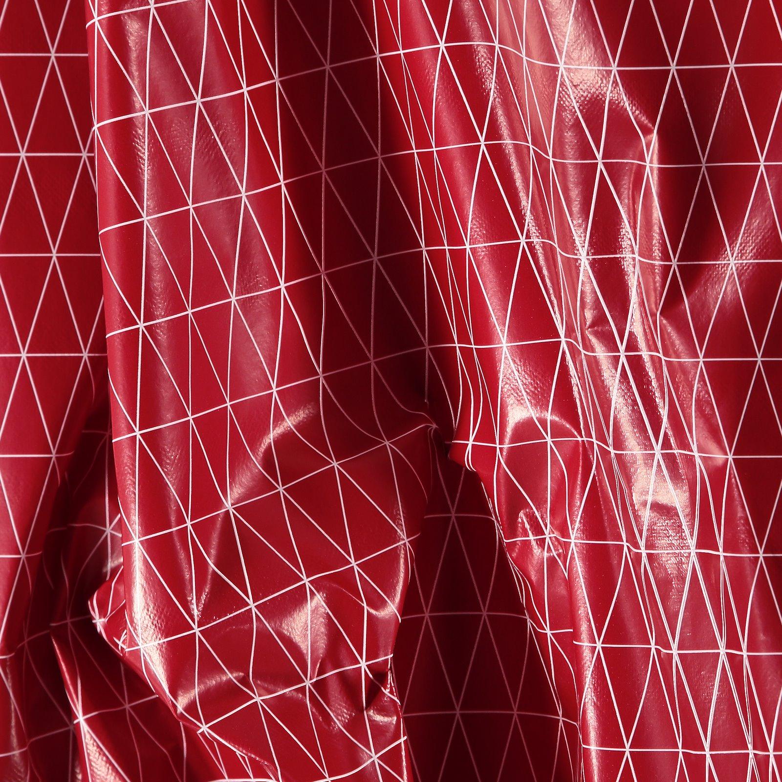 Non-woven oilcloth red white triangles