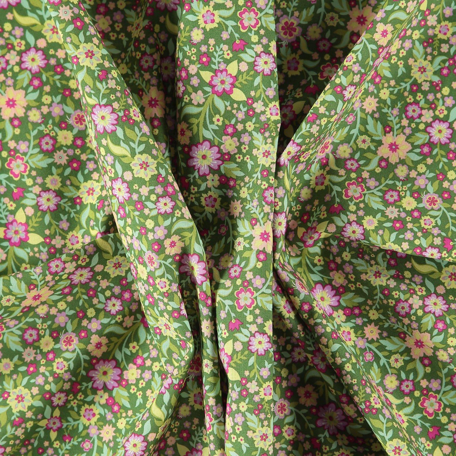 Fat Quarter 45x55cm, Dunkel Lime/Blumen