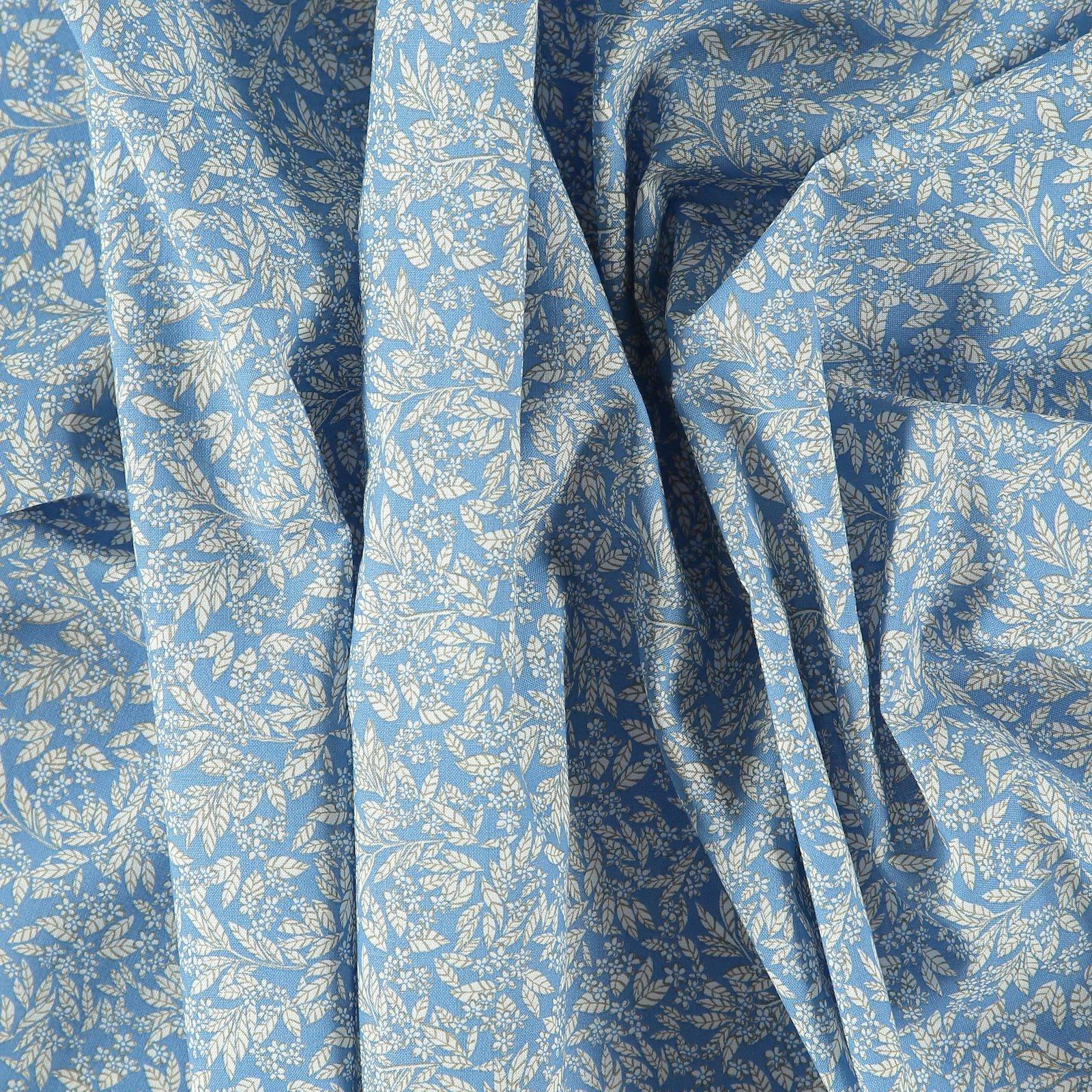 Patchwork 45x55cm blue w white leaves