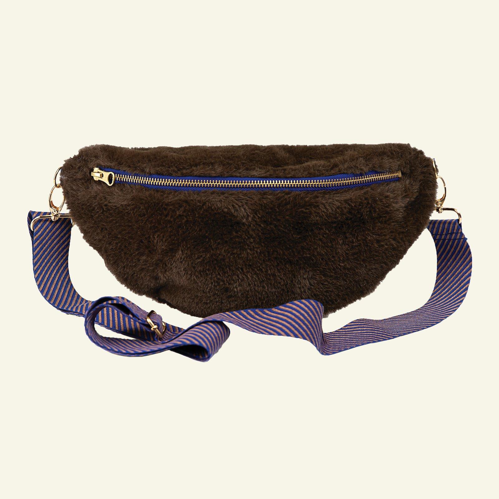 Boxy bum bag p90330_910187_21451_sskit