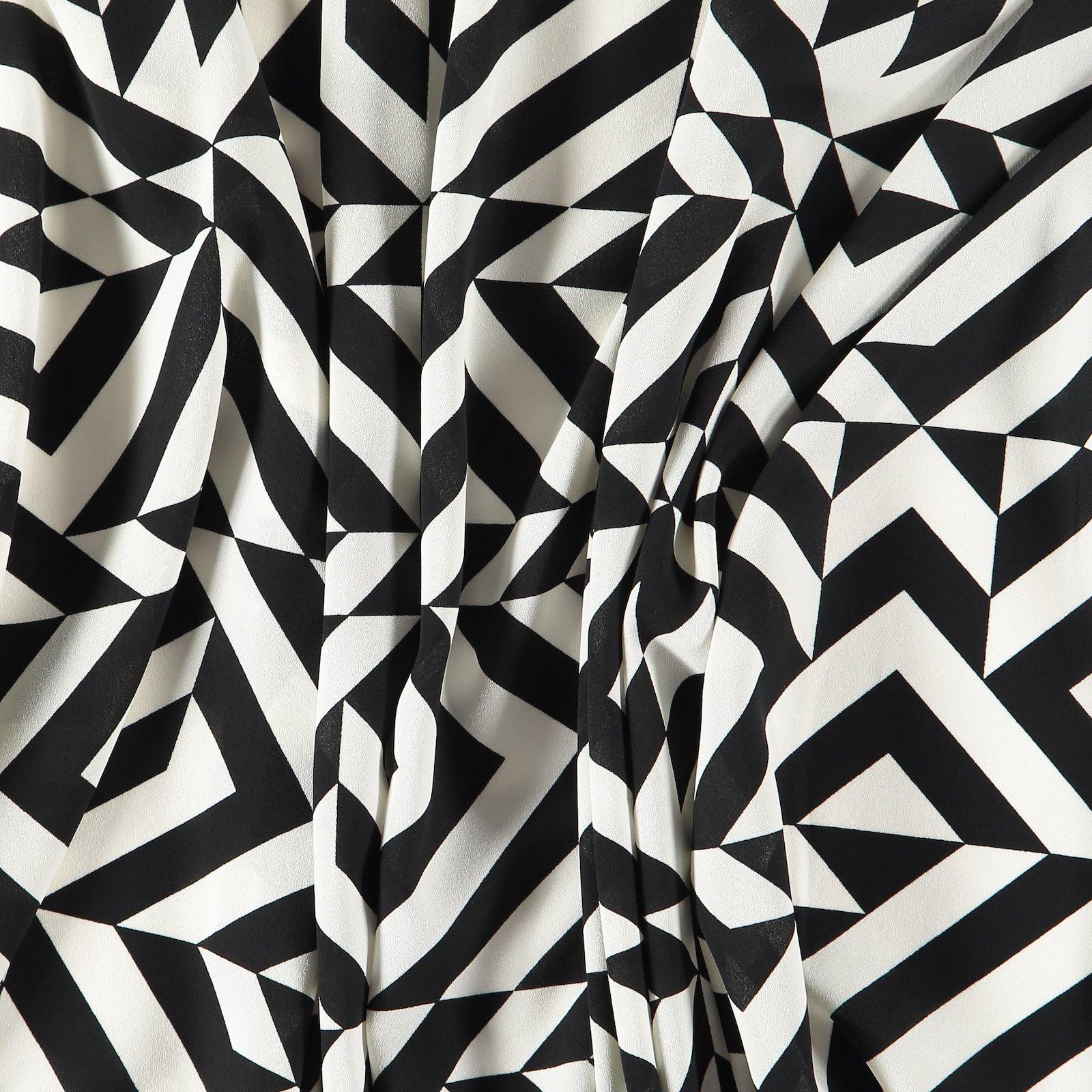 Chiffon black w. white graphic pattern 631249_pack