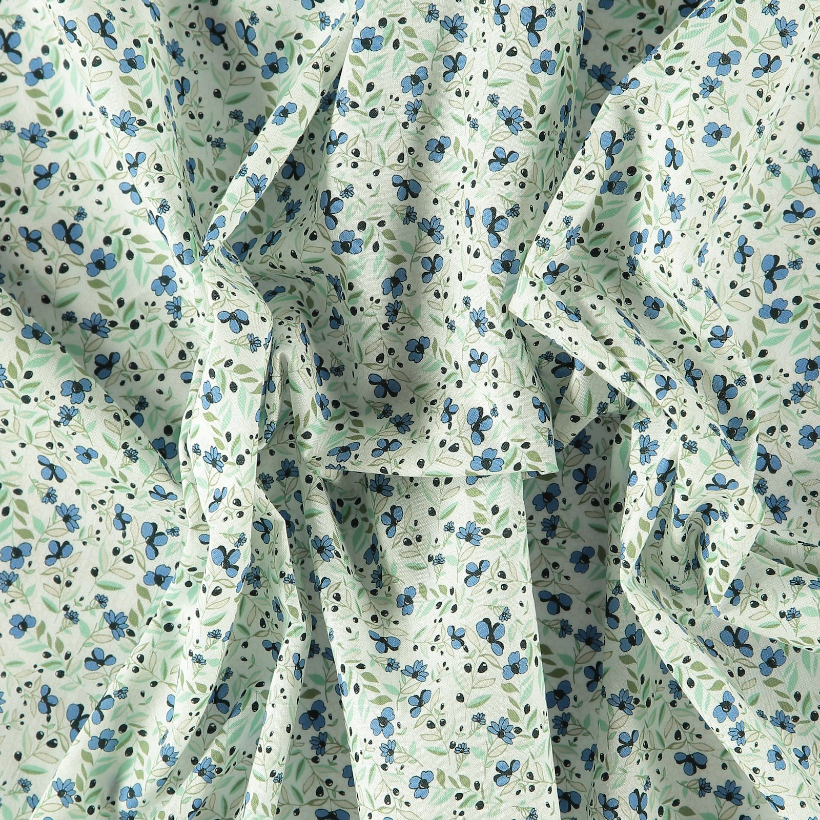 Cotton beige with blue flowers 852366_pack
