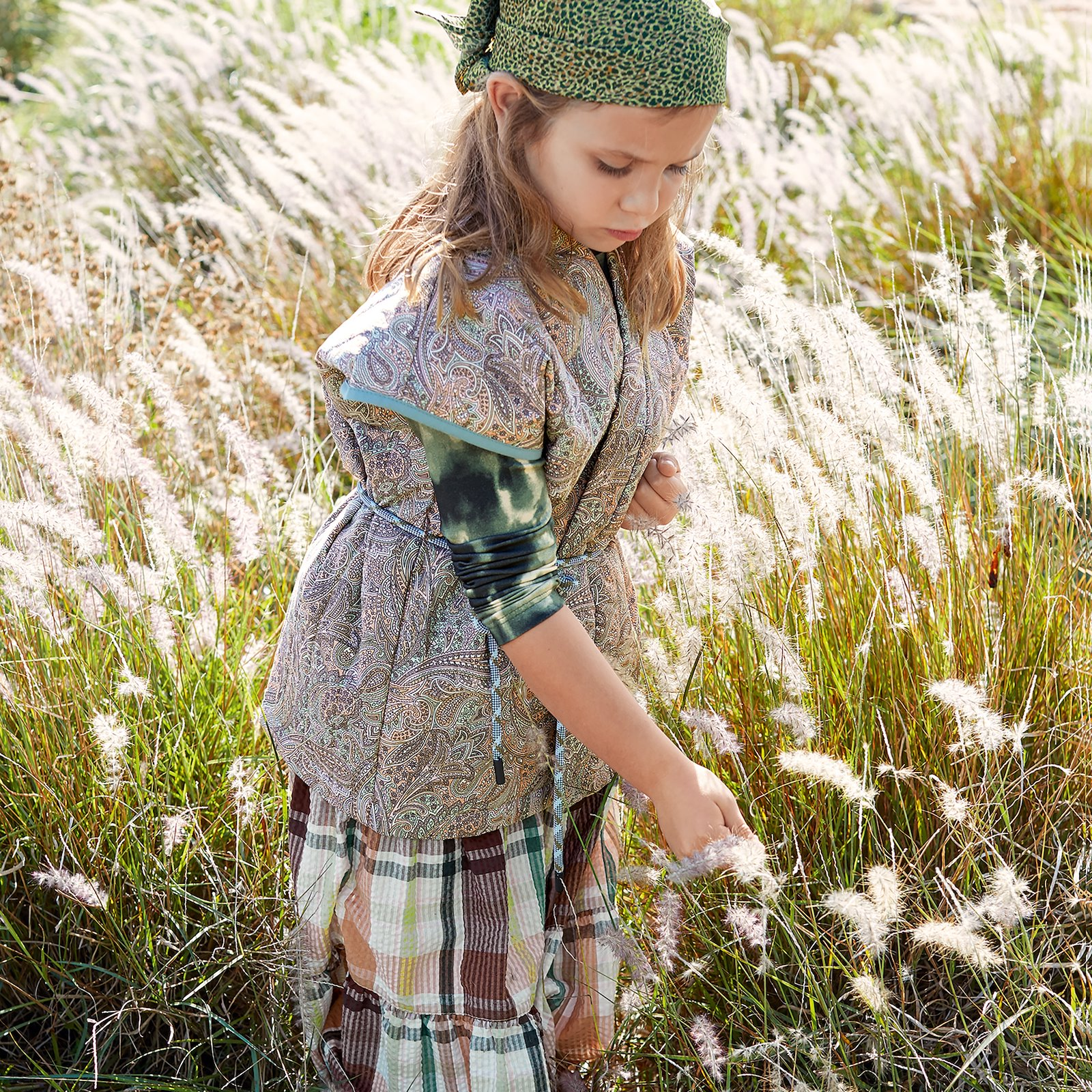 Cotton poplin sand with paisley print p63057_540116_540112_9500_66086_75092_p63062_580049_p63064_272691_570104_bundle