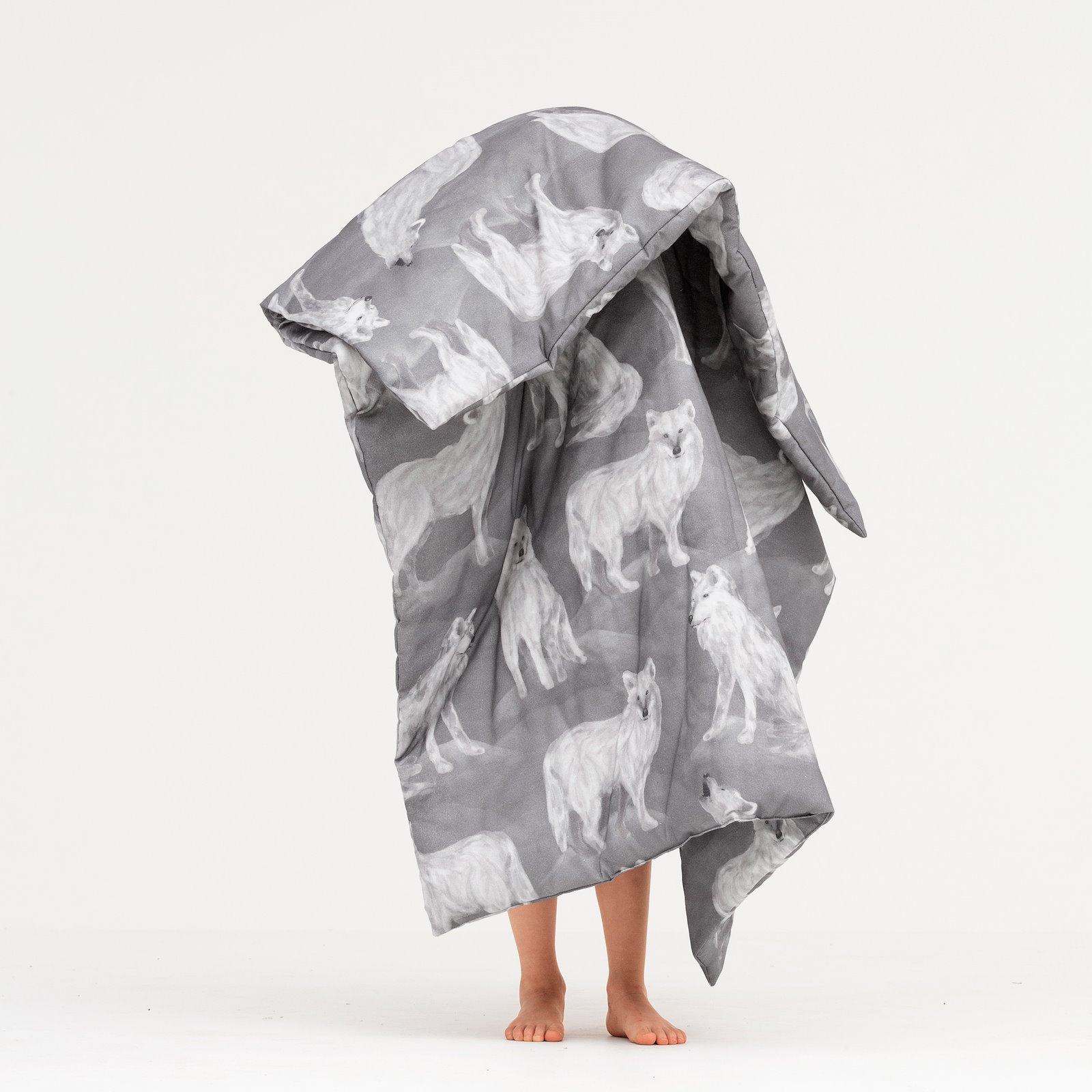 Cotton warm grey with wolfs DIY3039_780569_9998_bundle