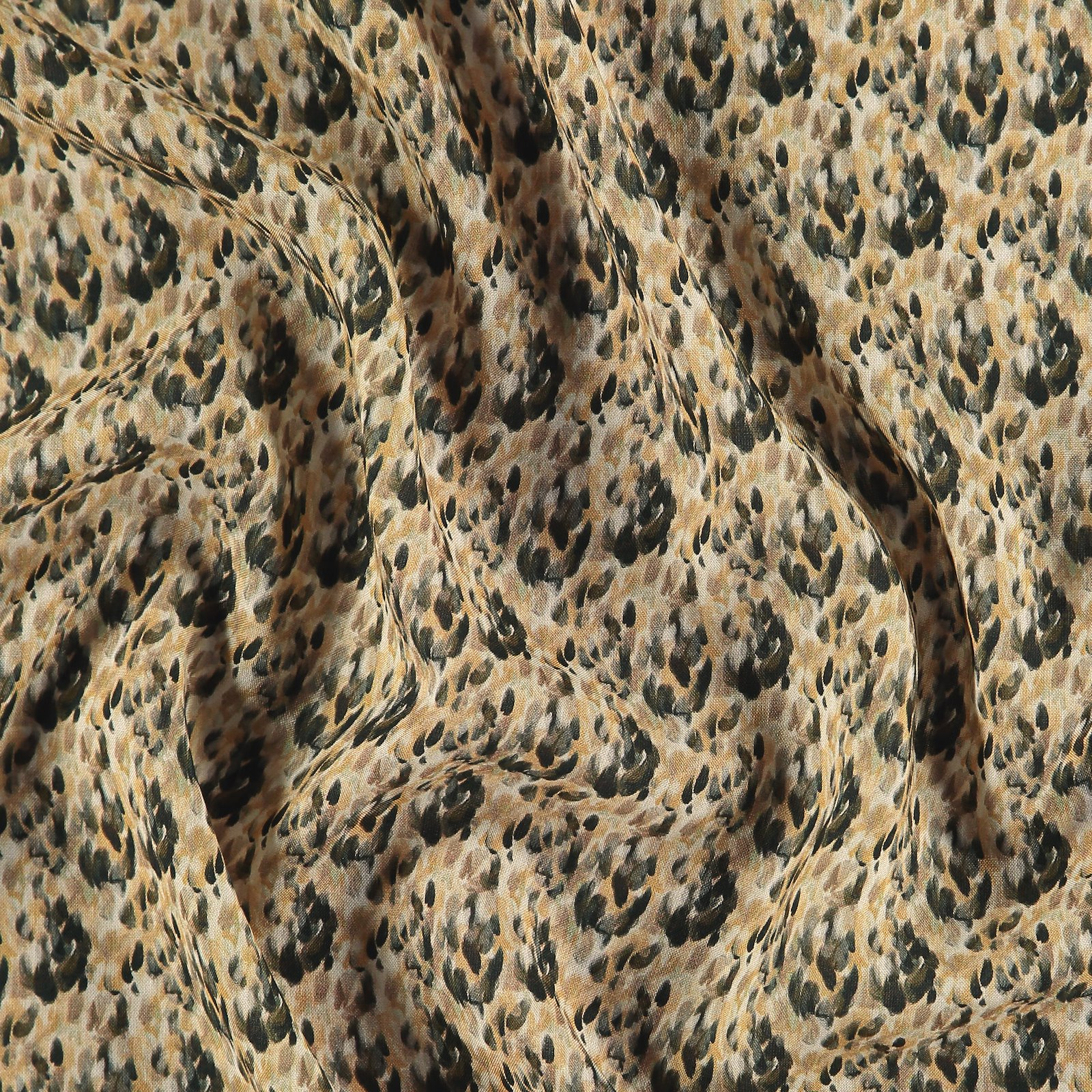 Ecovero woven viscose w abstract print 710653_pack