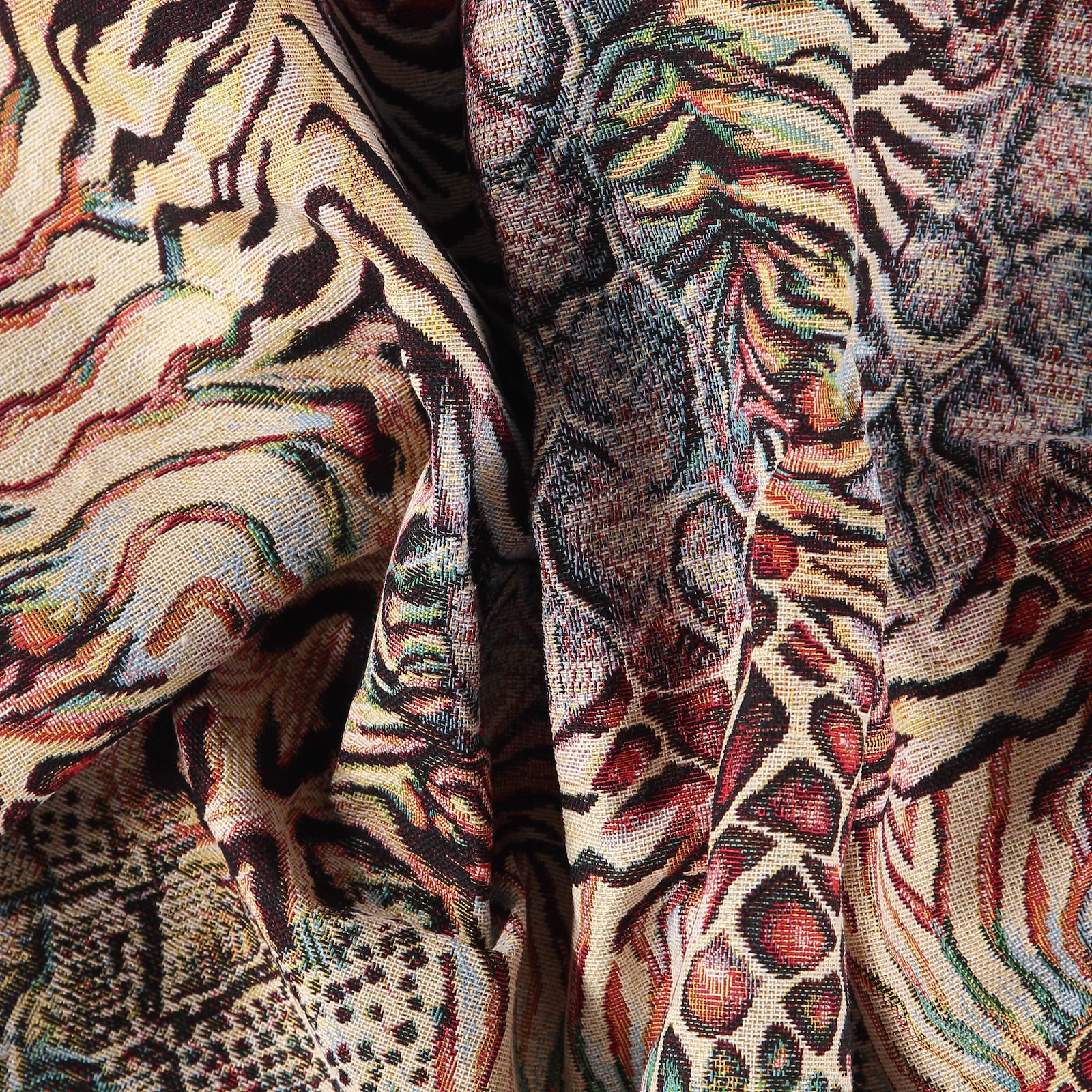 Jacquard multicolored animal pattern 823994_pack