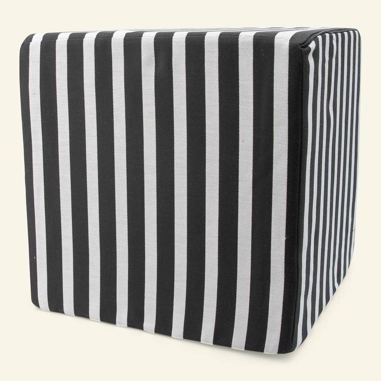 Jacquard yarn dyed black/white stripe 824065_sskit