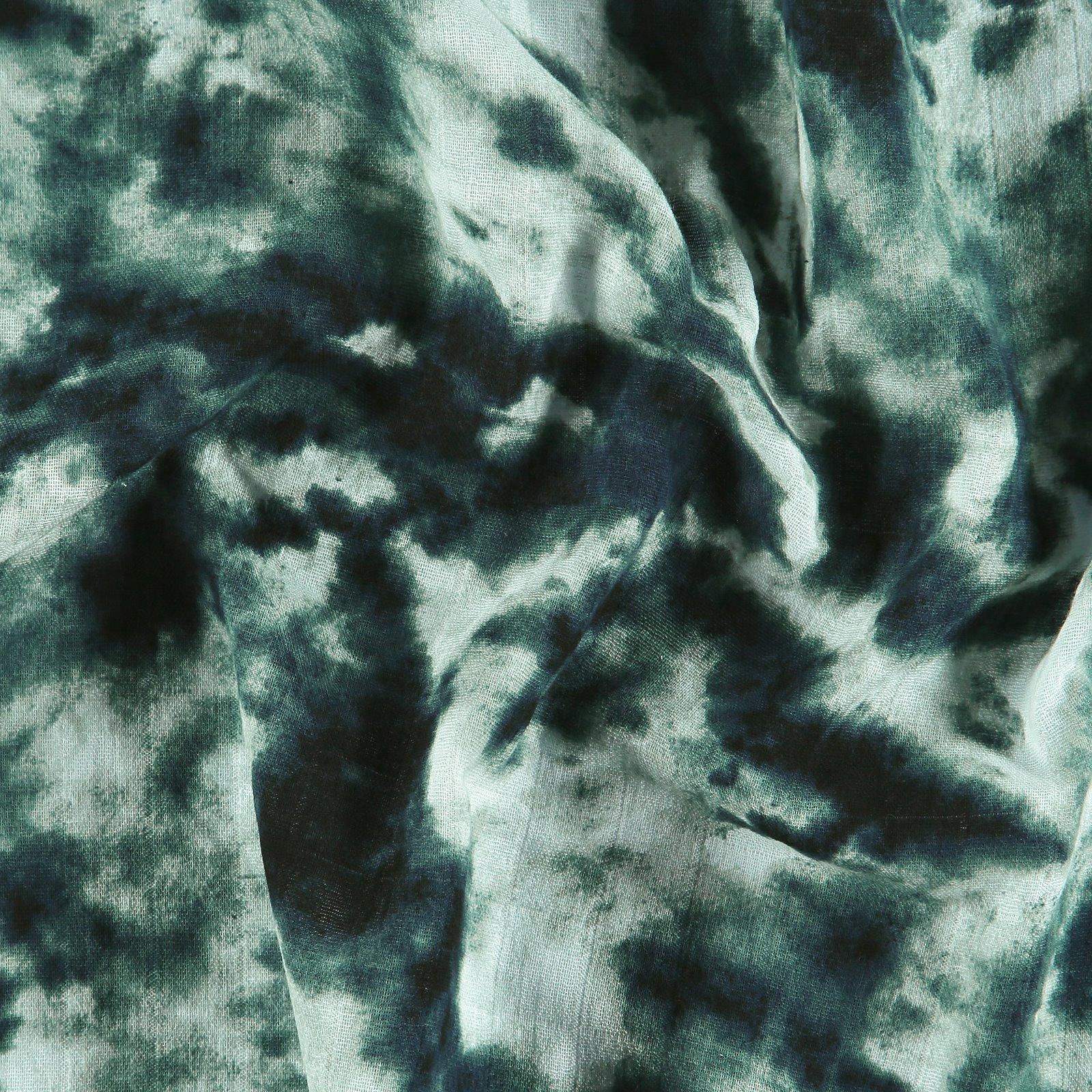 Muslin with dark blue batik print 501890_pack