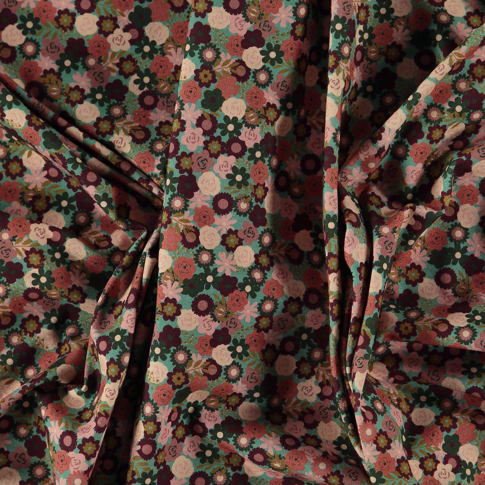 Organic stretch jersey green w flowers 271834_pack