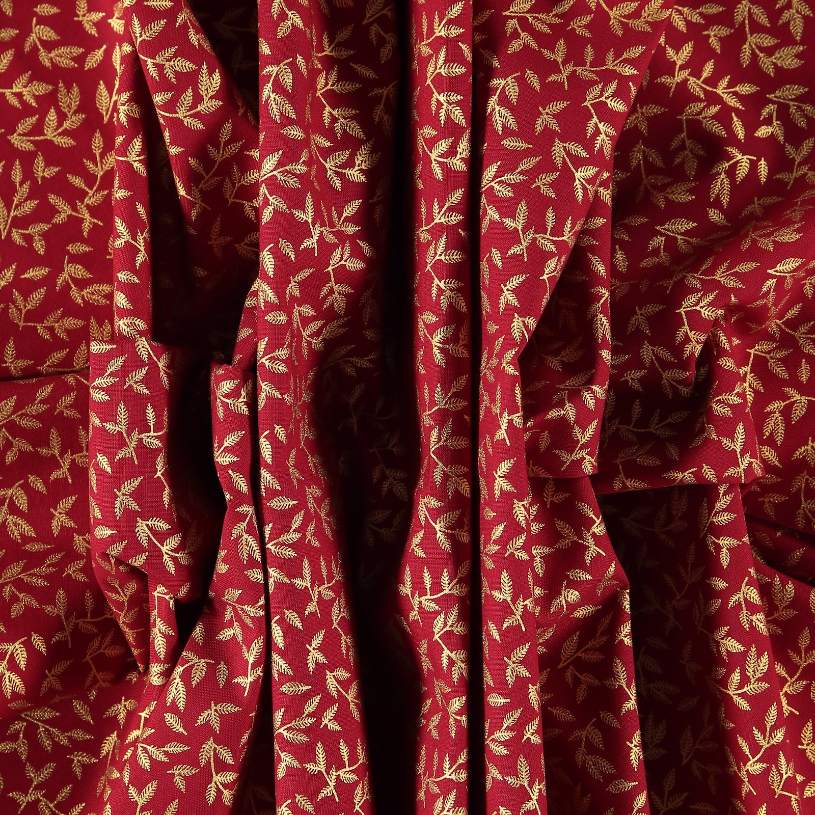 Patchwork 45x55cm red with gold leaves 92406_pack