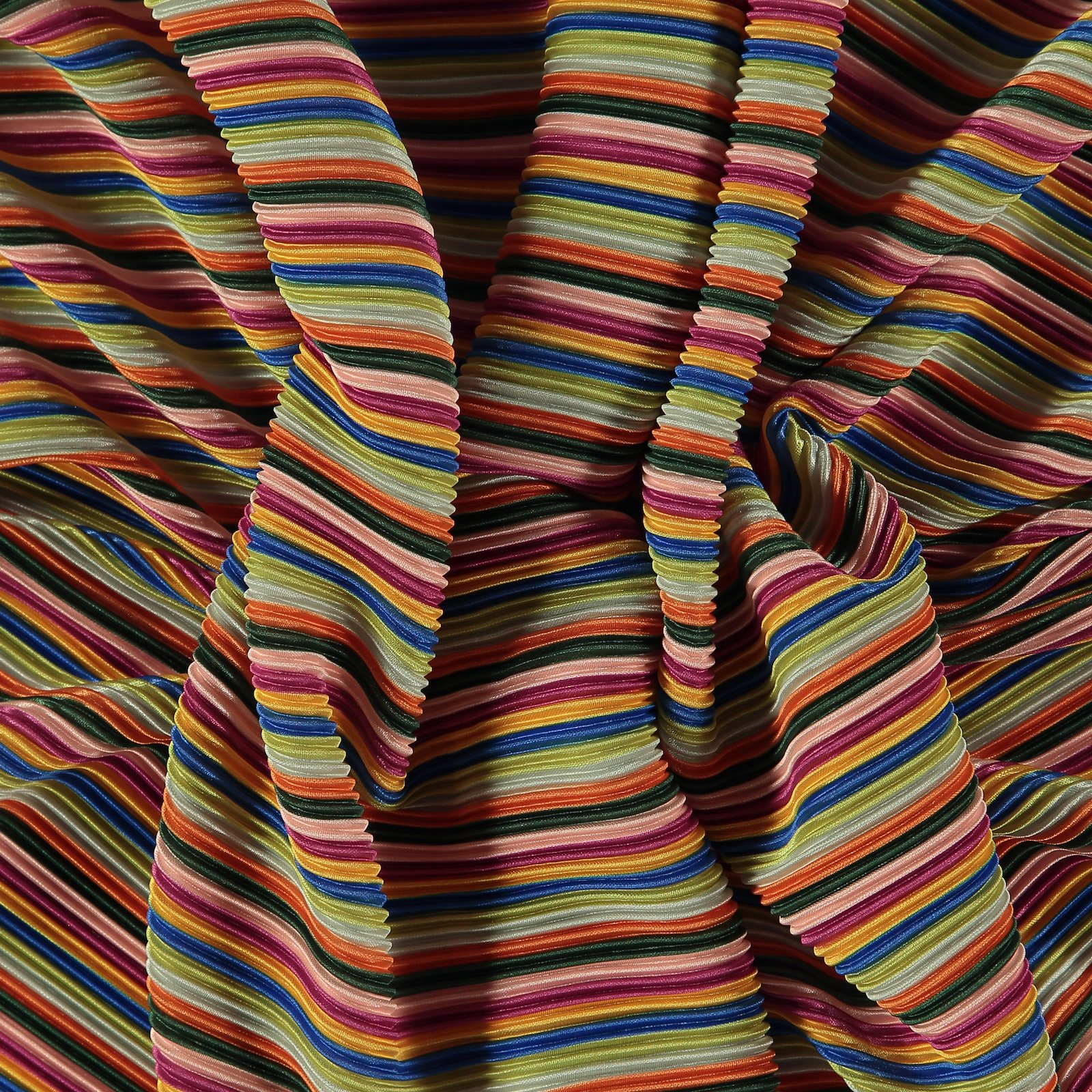 Pleats with multicolored stripe 280105_pack