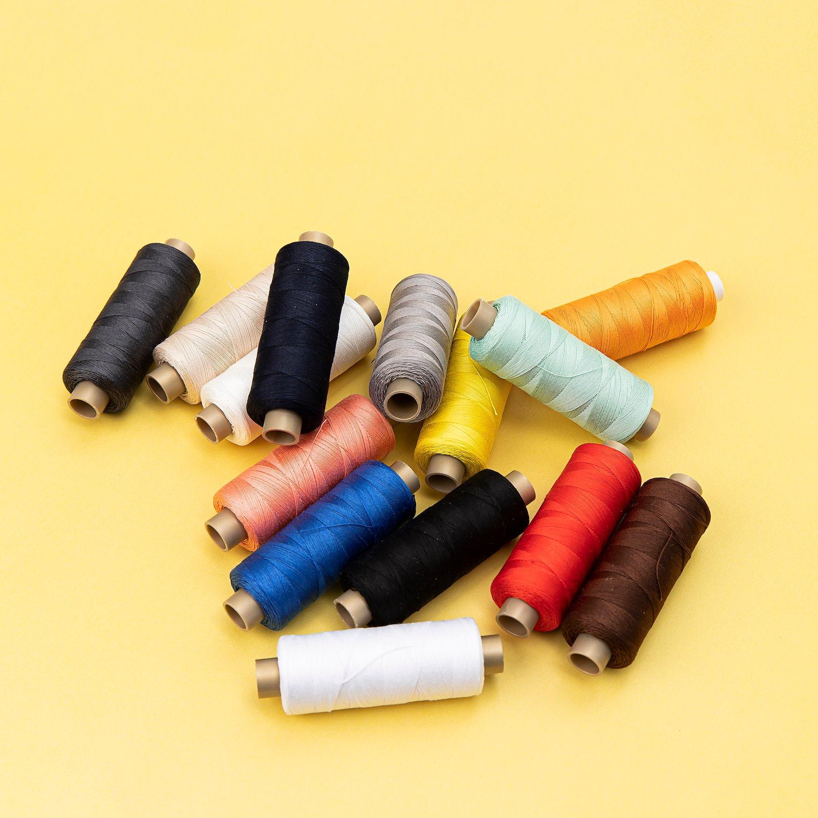 Quilting thread orange 300m 19043_19037_19040_19001_19006_19021_19005_19009_19038_19002_19023_19011_19092_19042_bundle