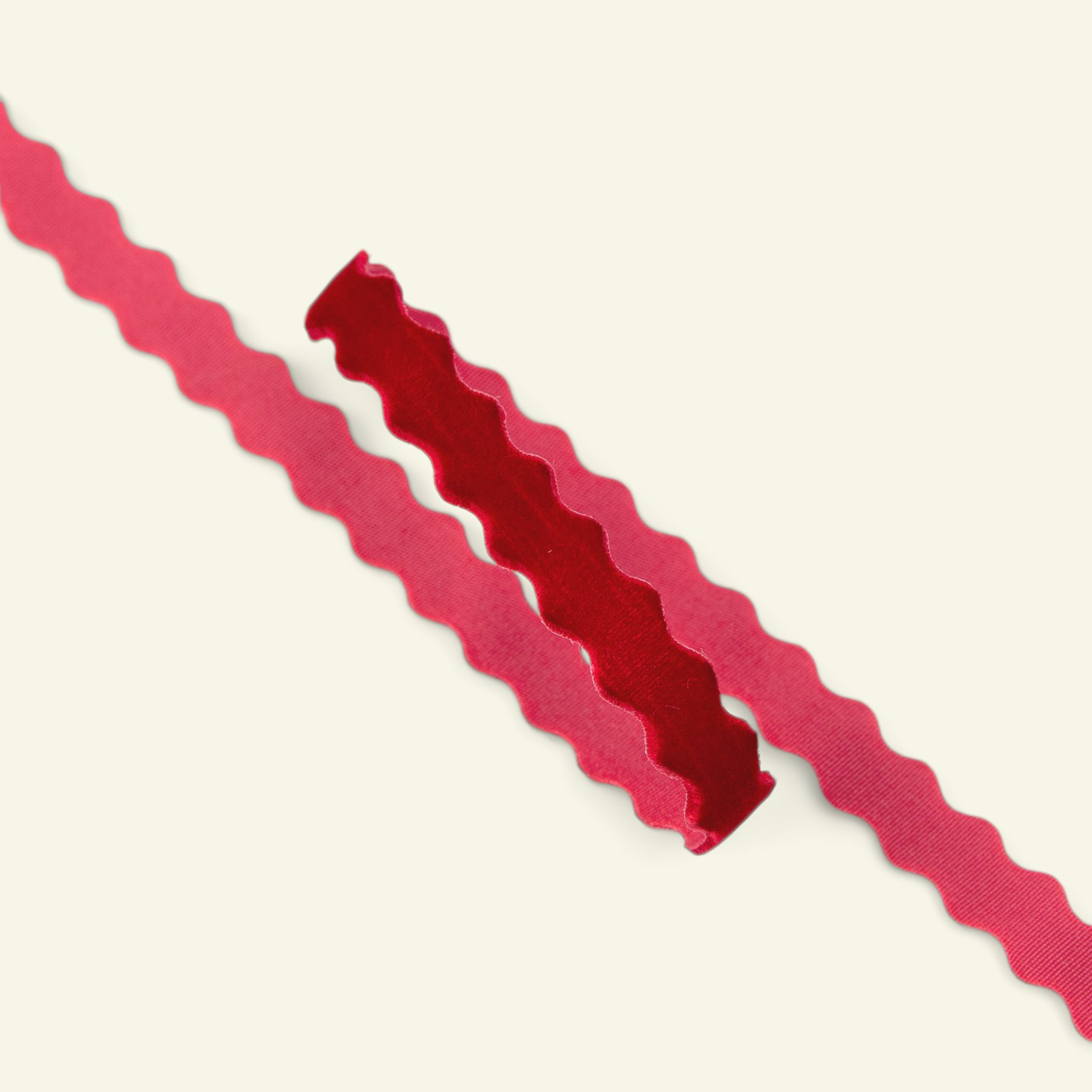 Ric rac velour ribbon 10mm red 2m 22213_pack