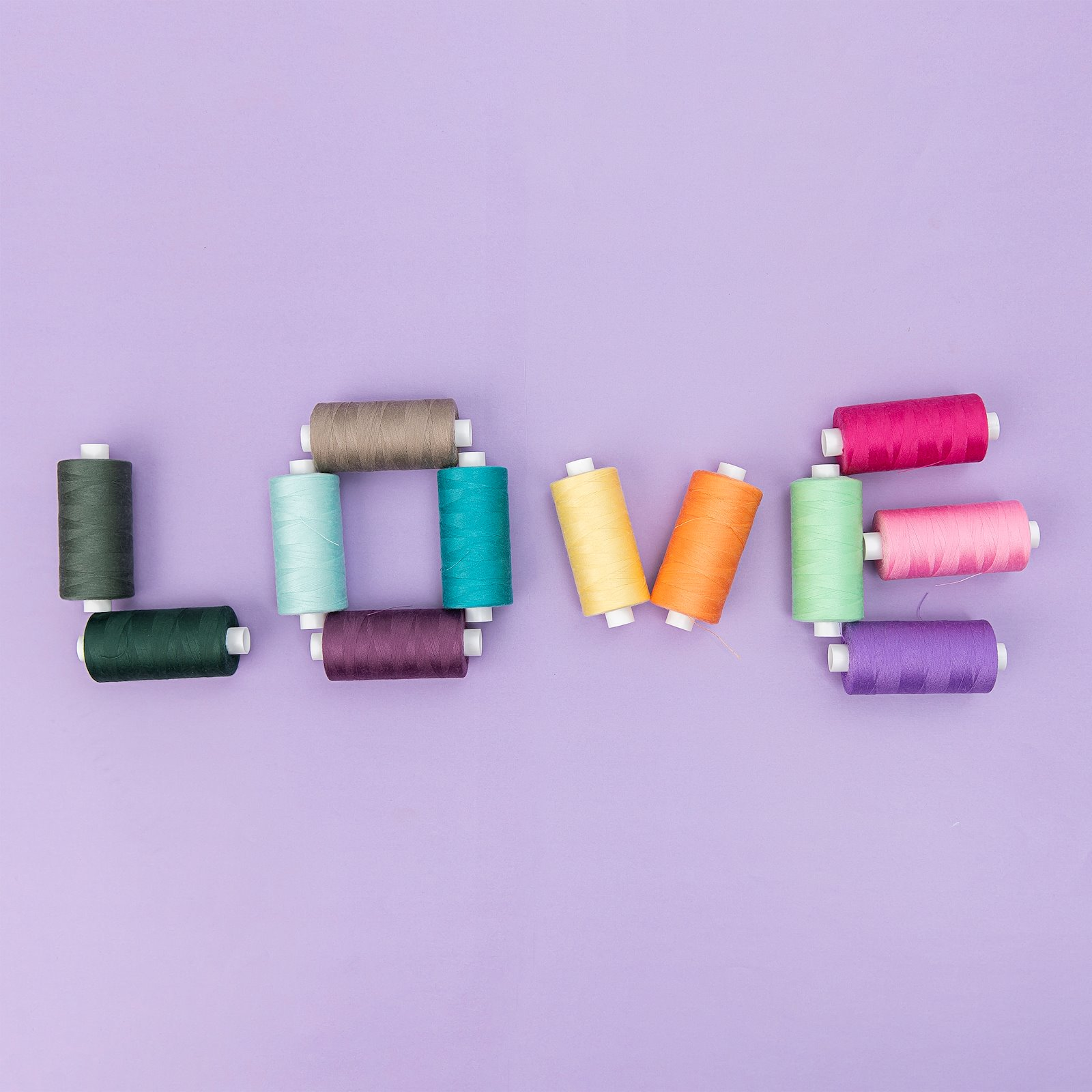 Sewing thread dusty green 1000m 12039_12024_12092_12064_12047_12009_12108_12103_12016_12010_12085_12006_bundle