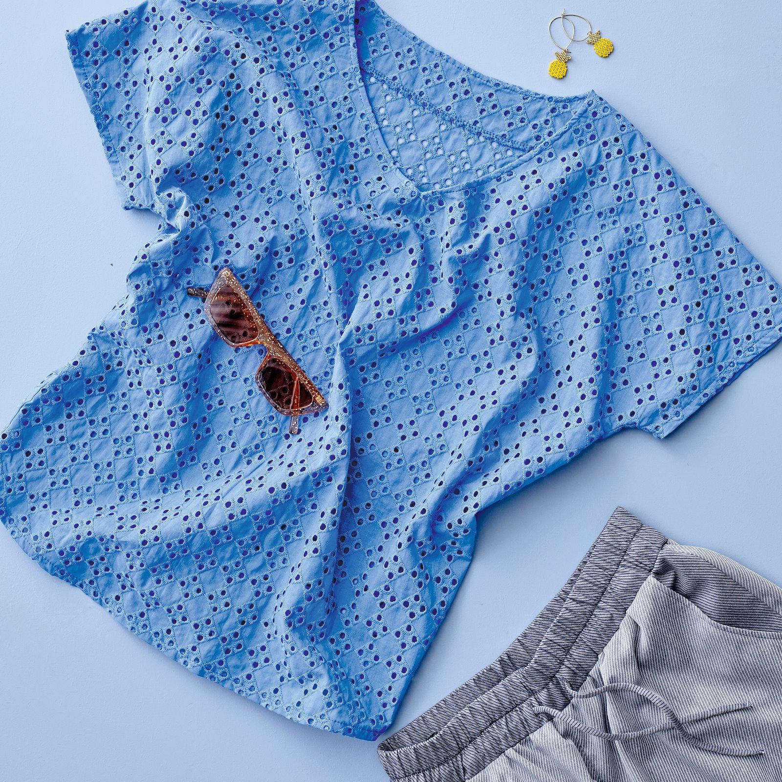 Short sleeved blouse, 38/10 p22065_550104_p20051_501860_bundle