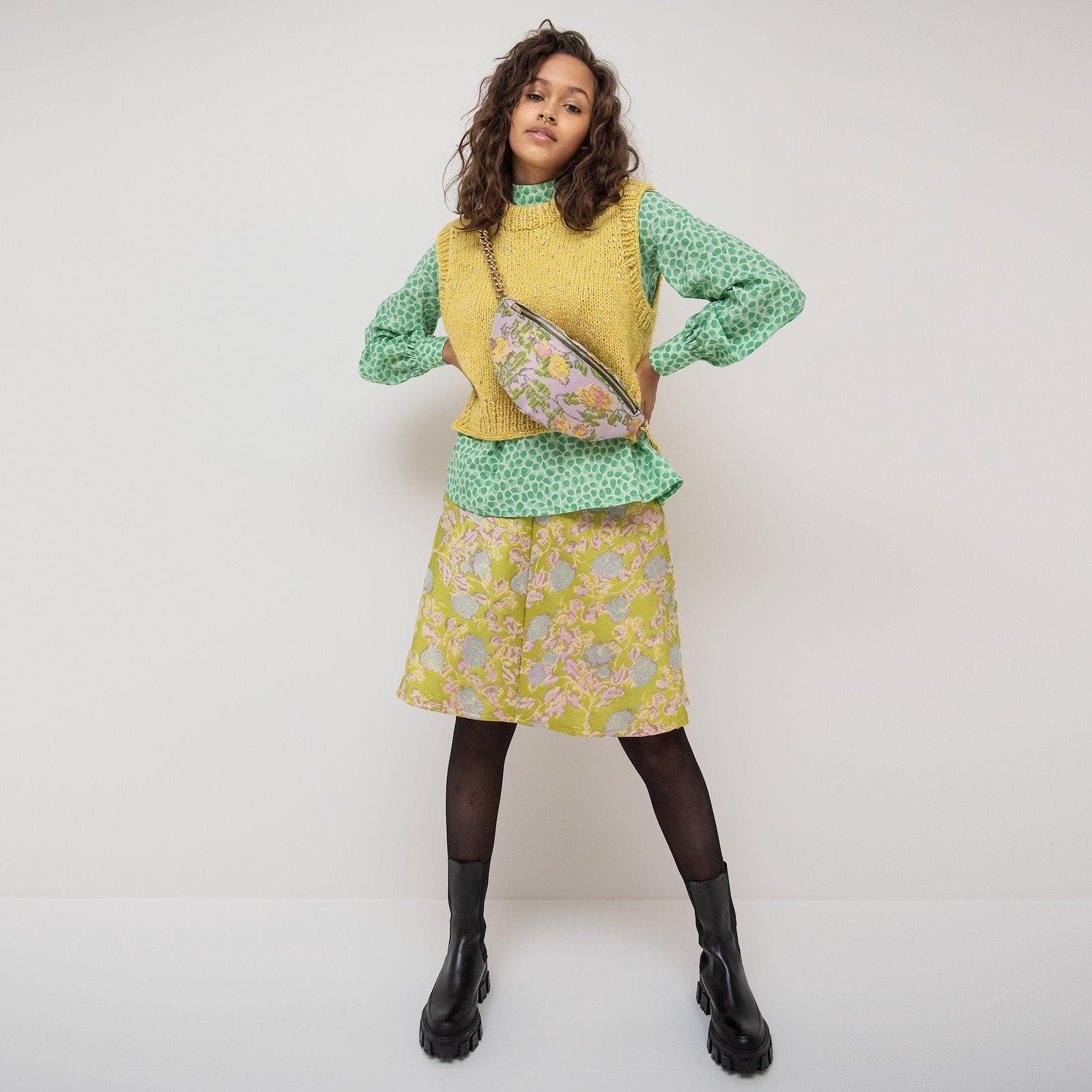 Skirt with A-shape, 38/10 p23163_580066_33215_FRAYA2030_90000001_p21038_400325_p90307_400325_9901_4351_z59333_38101_sskit