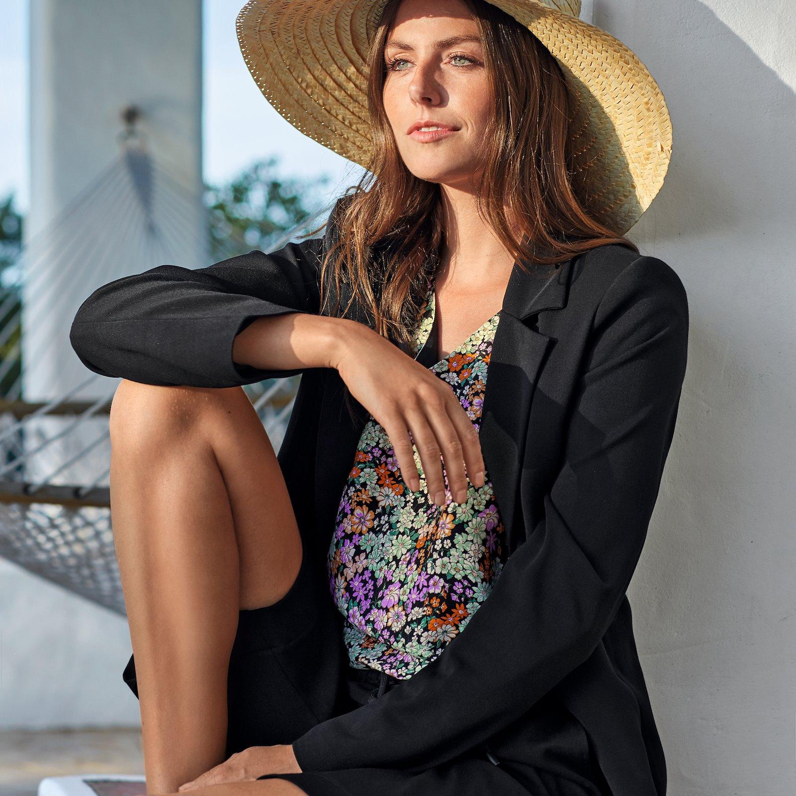 Suit jacket with lining p24048_460563_5043_40237_p22066_701083_5043_p20051_bundle