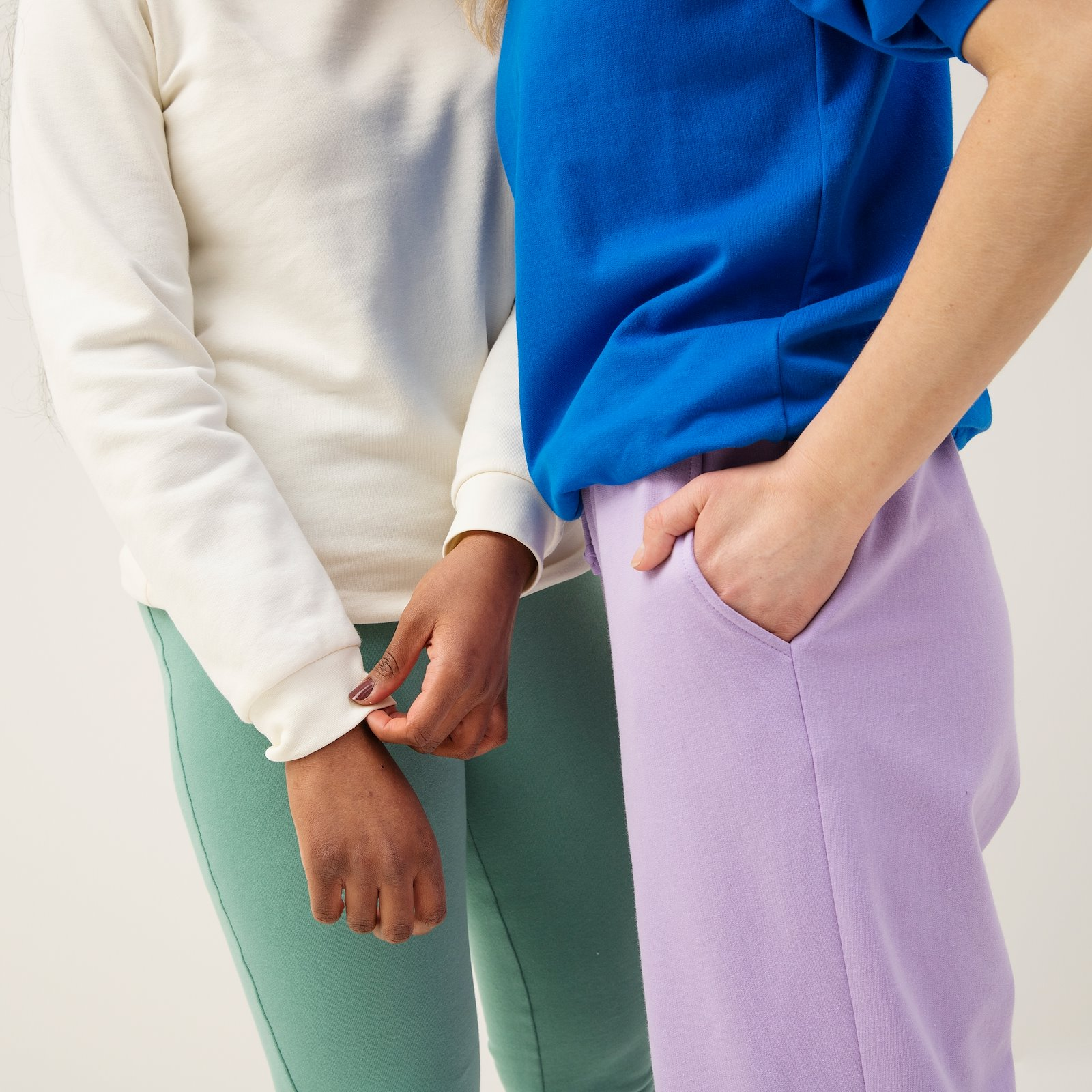 Sweatshirt with puff sleeves, M p22074_211744_p20034_211757_p22073_211760_230635_p20051_211768_bundle