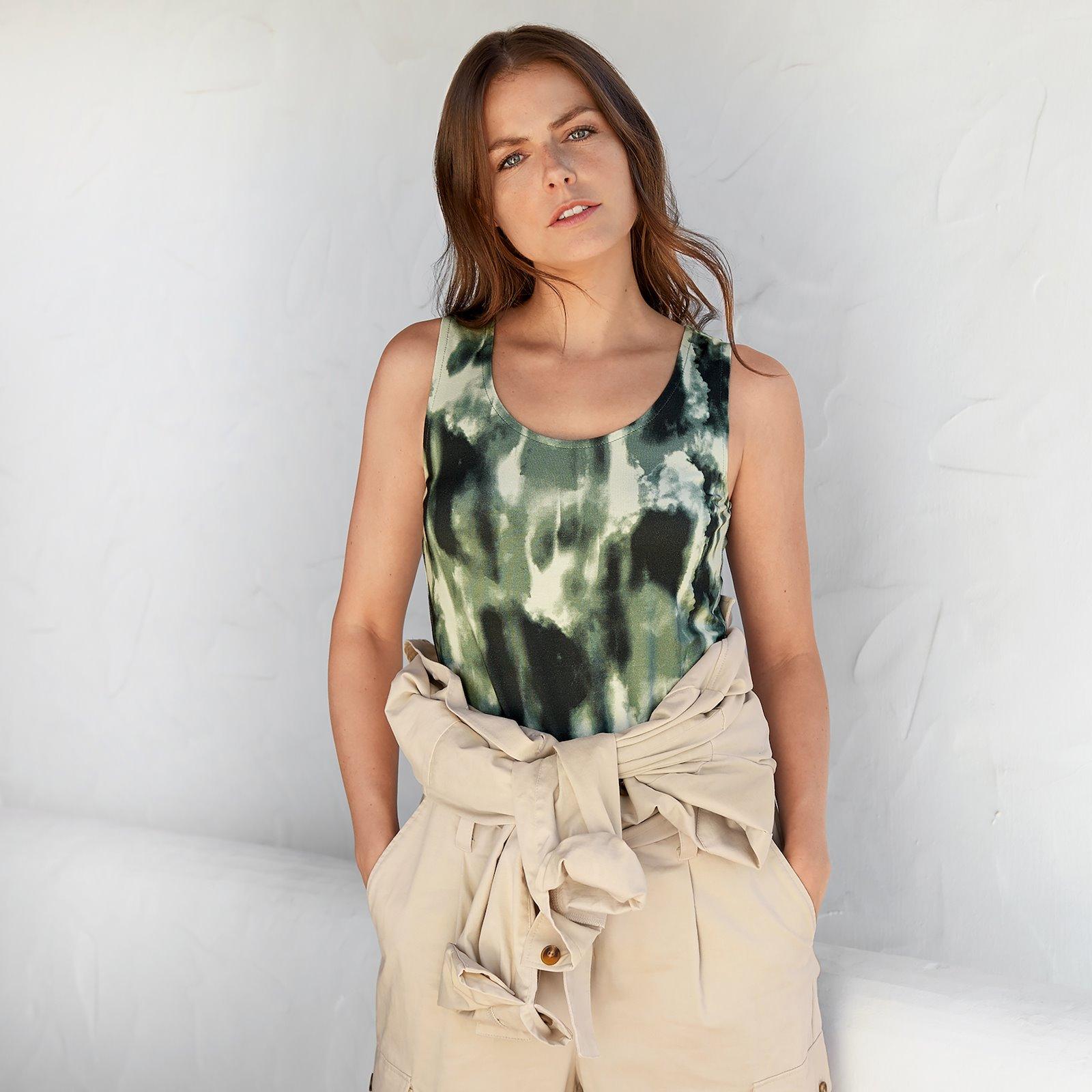 Top and dress, 46/18 p20055_420414_40231_p22071_272691_bundle