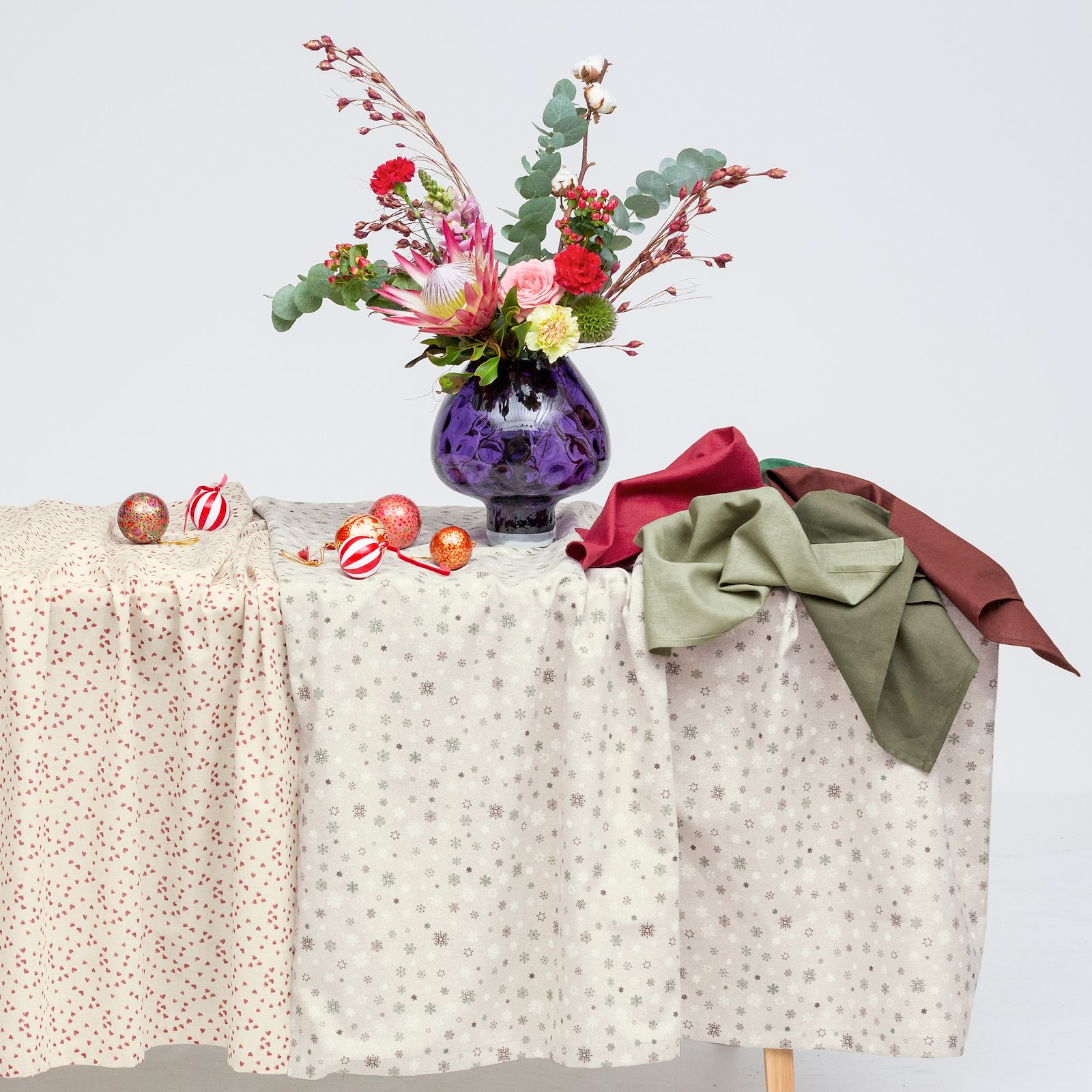 Woven cotton/linen with red hearts 410143_410144_780557_410145_410131_895946_bundle
