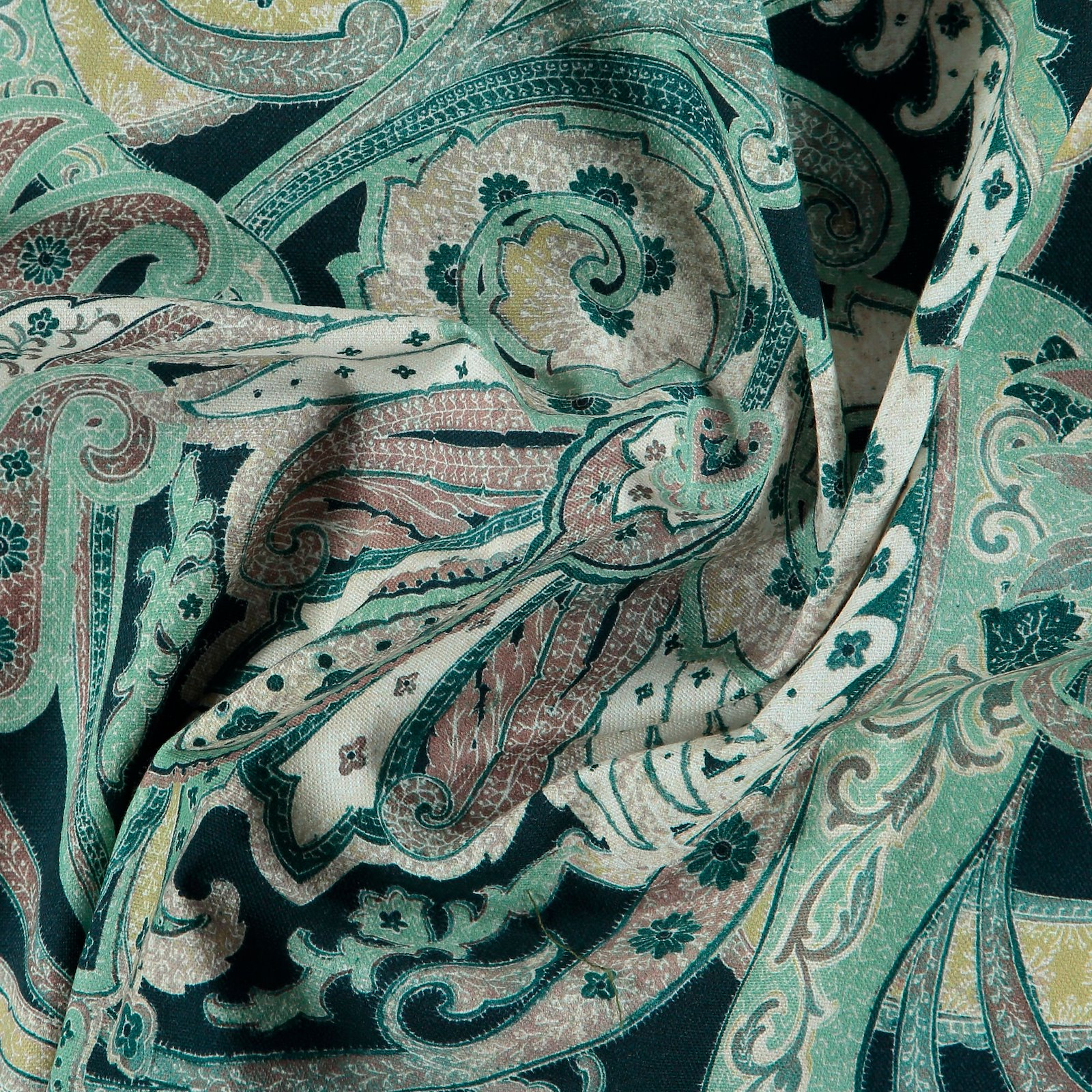 Woven dark blue w multicolour pattern 750477_pack