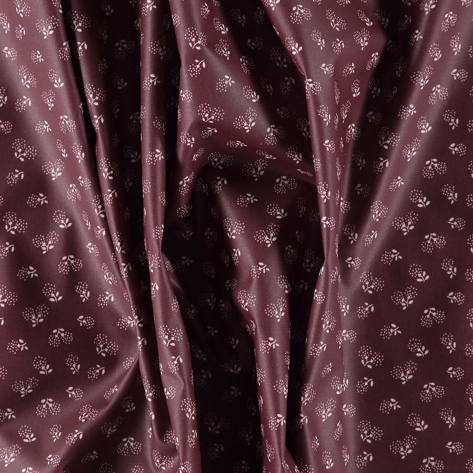 Woven oil cloth bordeaux with flowers 863692_pack