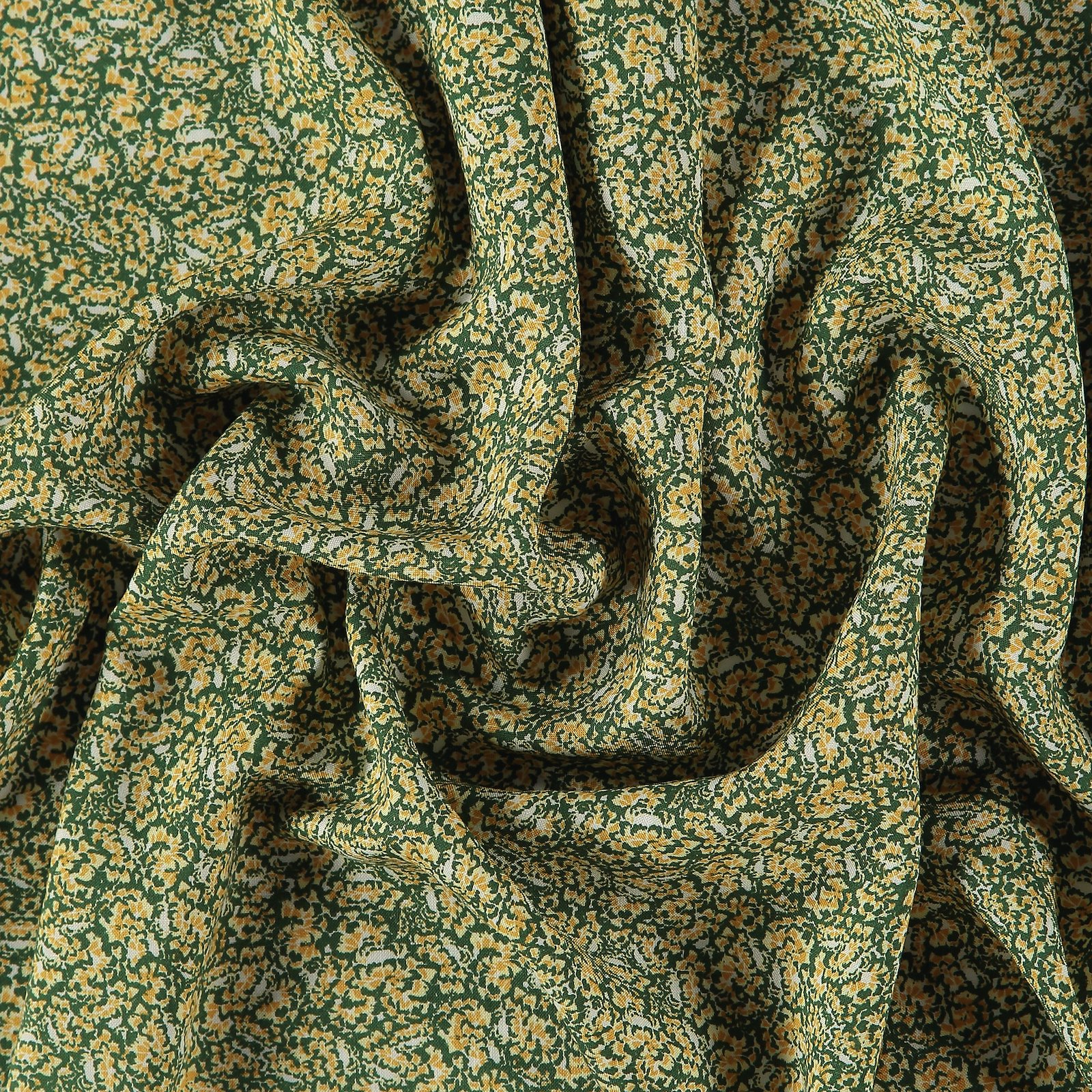 Woven viscose dark green w small flowers 710644_pack