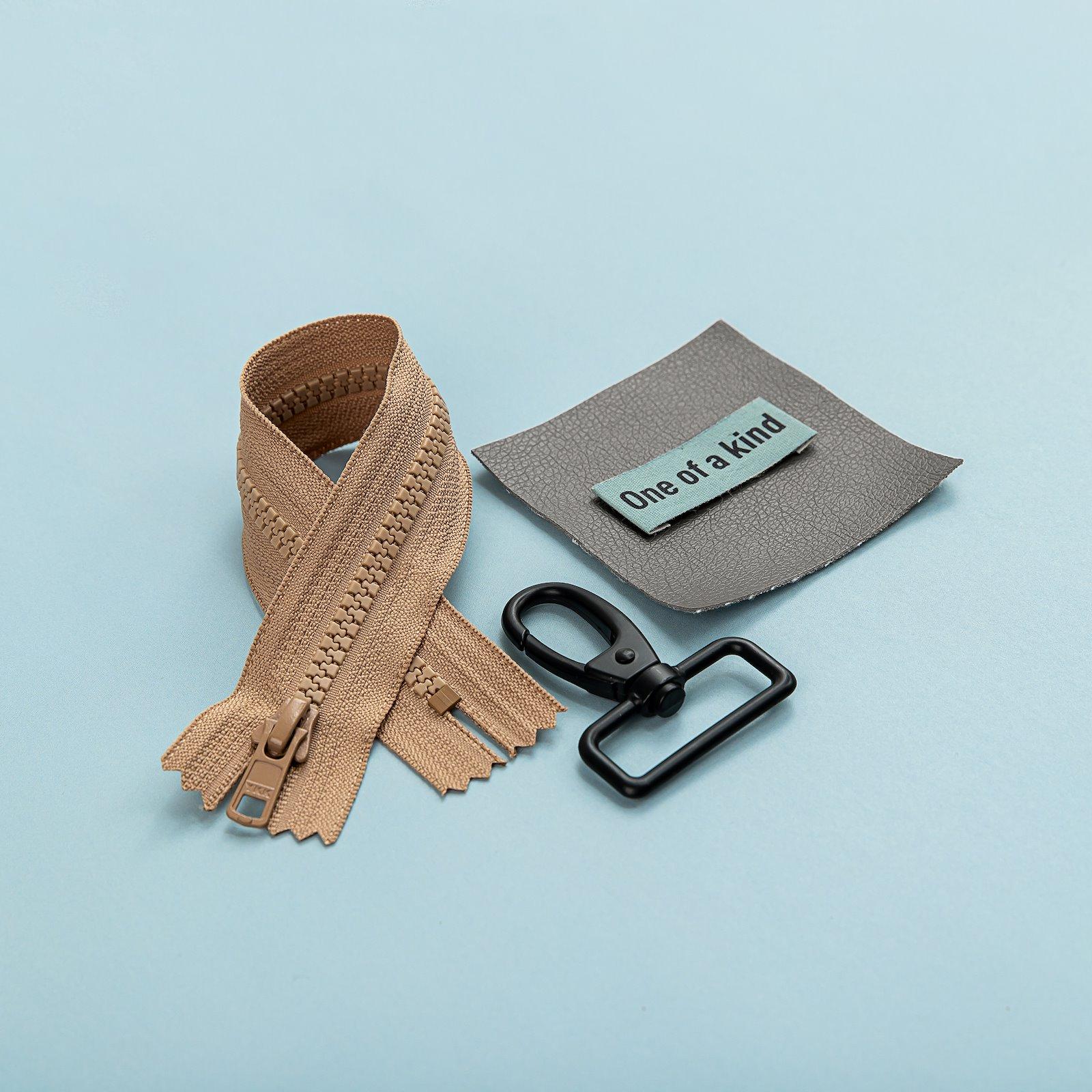 YKK zip 6mm closed end 45cm dark beige z50130_45109_24872_823965_bundle