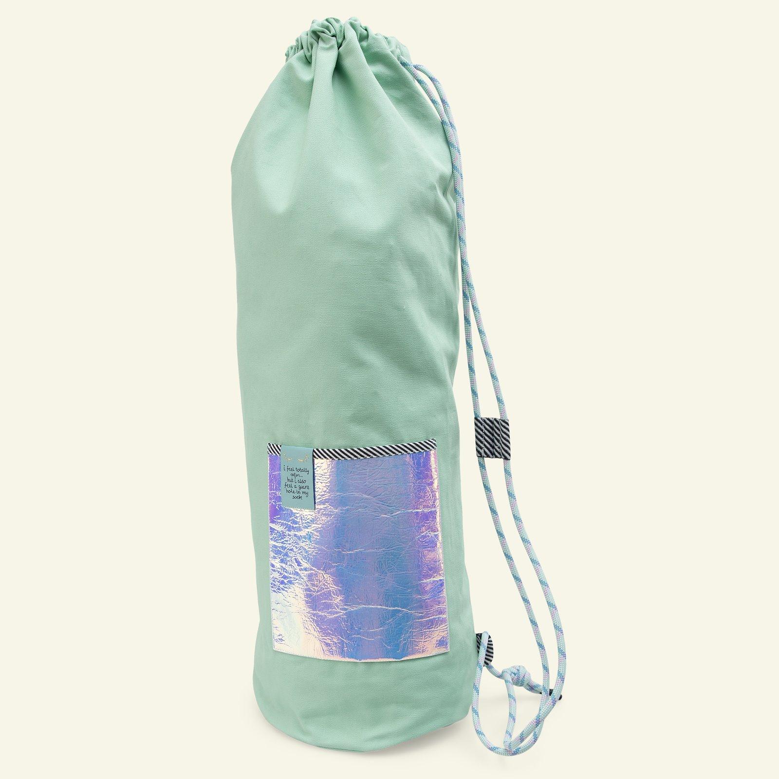 Yoga and bucket bag p90339_780479_824045_64106_75090_21468_26535_sskit
